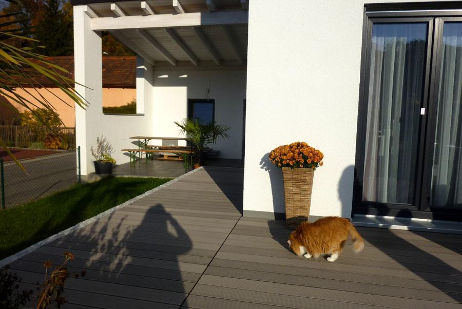 Haus Anael-Terrasse vorne u. überd.