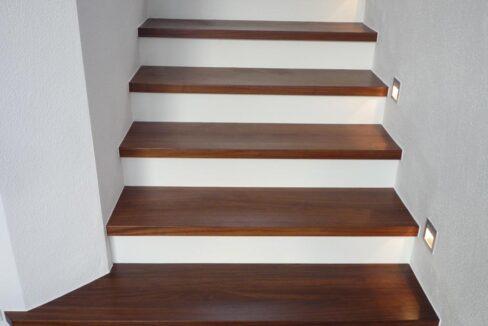 Haus Bussardstr-Treppe1