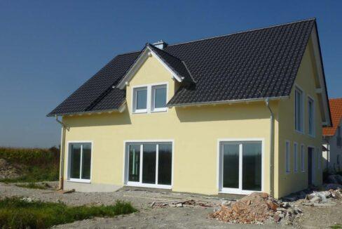 Haus Chazkiel-Grasbrunn-Suedseite